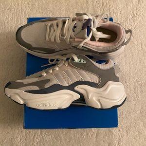 NIB Authentic Adidas  Magmur Runner Sneaker